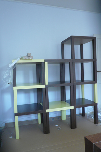 storage space aus lack tischen schwedenhacker. Black Bedroom Furniture Sets. Home Design Ideas